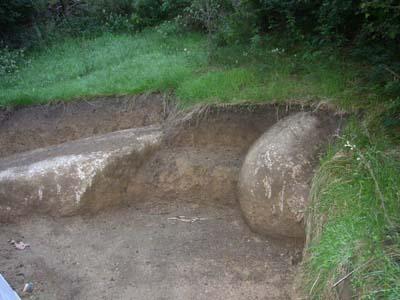 Steinformation und Erdsitz
