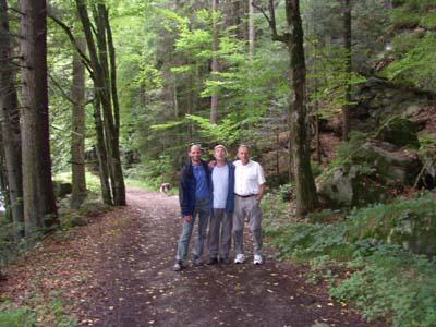 Paul, Tom und Mane beim Wandern